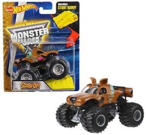 Hot Wheels Monster Jam Scooby-Doo w/ Stunt Ramp #22 1:64 Diecast Car