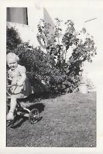 Vintage FOUND PHOTOGRAPH bw FREE SHIPPING Original Snapshot 811 40 C