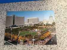 POSTCARD UNUSED INDIANA, INDIANAPOLIS THE CAPITOL COMMONS