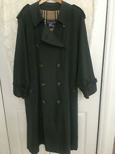 Burberry Trenchcoat in Millitary Green size 44R