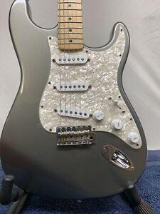 2002 Fender Deluxe Series Stratocaster