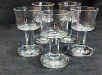 5 VINTAGE PUKEBERG SHOT/ LICQUER, PEDESTAL SWEDISH CRYSTAL GLASSES 9 cms TALL