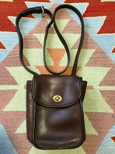Vintage Coach Crossbody Purse Brown Leather L7 M-9978 Small Legacy Scooter