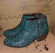 VERY VOLATILE VEGAN FAUX TOOLED LEATHER WESTERN ANKLE BOOTS BOOTIES 6.5 M GREEN