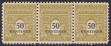 N° 704**  50c JAUNE-OLIVE TYPE ARC DE TRIOMPHE EN BANDE DE 3