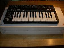 Behringer MS-1-BK - Analoger Synthesizer - inkl. allem Zubehör - wie neu!!!