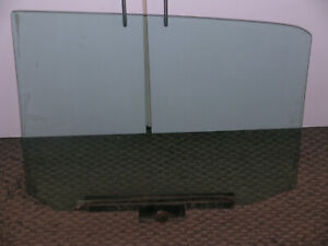 DOOR GLASS, RIGHT FRONT, ROLLS ROYCE SILVER SHADOW, BENTLEY T, TRIPLEX