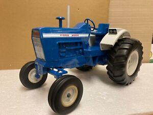 1/12 scale Ertl no 800 Ford 8000 2wd Tractor Traktor tracteur