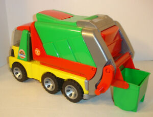 Bruder Roadmax Garbage Truck - Working Interactive