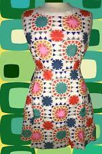 G899✪ 60er 70er Jahre Vintage Skater Kleid ausgestellt mit geometrischem Muster