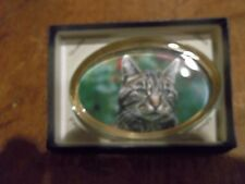 "1 OVAL GLASS PAPERWEIGHT DISPLAYING  A  CAT""S HEAD -  NEW BOXED-BRITISH MADE"
