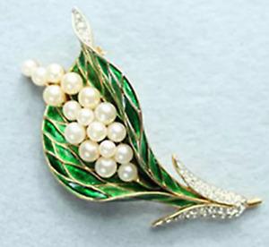 Minimalist pines Enamel pin Doree and green brooch