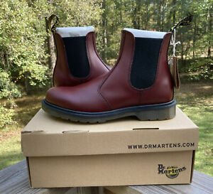 Dr. Martens 2976 Chelsea Boot Red Cherry Smooth NEW W/BOX M 9/W 10