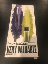 M.A.C  VERY VALUABLE PIGMENT KIT CHARTREUSE 2.5G, SMALL  SHADE BRUSH, NEW