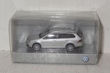 Wiking VW Golf Variant silbermetallic 1:87 in OVP (B32)