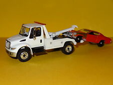 2013 INTERNATIONAL DURASTAR 4400 TOW TRUCK WHITE 1/64 SCALE LIMITED EDITION P