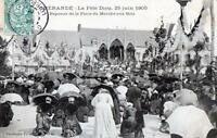 CPA 44 GUERANDE LA FETE DIEU 25 JUIN 1905 REPOSOIR DE LA PLACE DU MARCHE AUX BOI