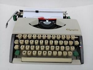 Machine For Write Olympia Of Luxe Typewriter With Case
