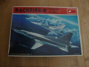 L211 Craft Model Kit 1601 - Backfire B Tupolev TU-22M - 1/144