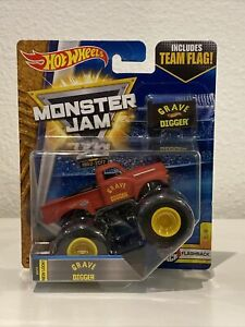 Hot Wheels Monster Jam Red Truck Grave Digger with Team Flag 1:64