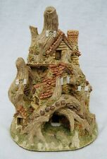 """David Winter """"Woodcutters Cottage"""" Hand Painted Ceramic Sculpture England B3000"""