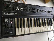 ROLAND SH-09 synthétiseur analogique