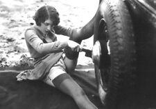 Erotico 2-for-1 LA GIOIA DI AUTOMOBILISMO. Ragazze, Calze, auto d'epoca. 2 foto A4