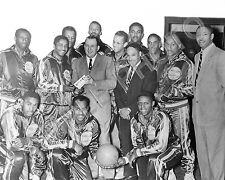 1940s HARLEM GLOBETROTTERS 8X10 TEAM PHOTO