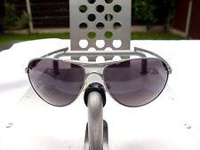 Gafas de sol Oakley demandante Ducati Edition-Marco de plata Lente Gris Cálido