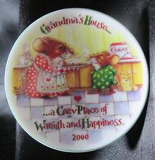2000 Grandmas House Hallmark Keepsake Ornament Collector's Plate Stand QX8141