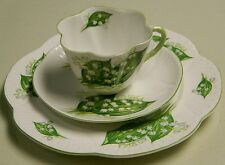 "** SHELLEY LILY OF THE VALLEY DAINTY TRIO 13822 8"" PLATE  **"