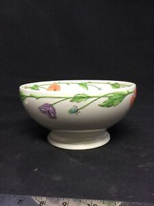 """Villeroy and Boch Amapola 9"""" Bowl Footed Round Vegetable Bowl Porcelain"""