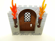 Lego 1 x Castle Brown Door with Grey Stone Pattern Plus Torches - Harry Potter