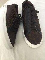 Womens DKNY Signature Canvas Leather Shoes Gold Insignia Tie Up Size 8.5 Medium
