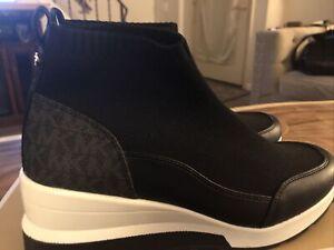 MICHAEL KORS  Skyler Classic Black Knit High-Top Stretch Wedge Sneaker US 8 ❤️❤️