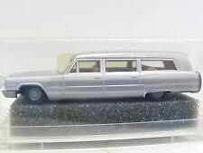 Praline 82903 Cadillac Stationwagen OVP (L7387)