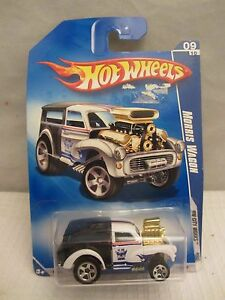 Hot Wheels 2009 Hw City Works Morris Wagon  NOC 1:64 scale  (0216) P2435