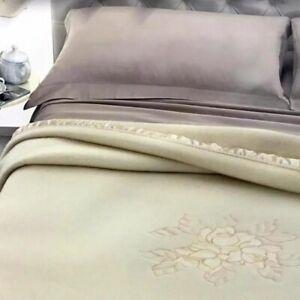 Coperta pura lana vergine Ricamata 400 gr/mq per letto matrimoniale beige AA471