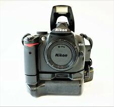 NIKON D5000-VERTICAL GRIP-NIKKOR 24-120MM AF-D  f3.5-5.6 LENS-SHUTTER COUNT 6952