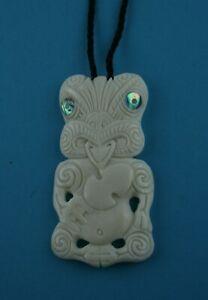 Hei Tiki Maori Knochen Carving aus Neuseeland