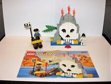 Lego set 6248 Volcano Island – 113 Pieces – 2 Figures - Pirate