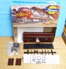 BACHMAN HO ELECTRIC RR TRAINS NIB- 5236 40' BOX CAR WOOD WESTERN PACIFIC 3B