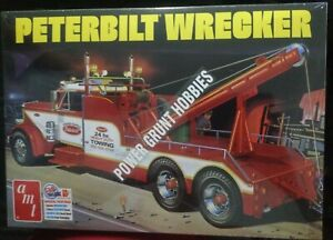 AMT1133 Peterbilt Wrecker 1/25 Scale Model Kit
