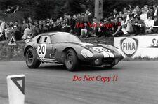 Bob Bondurant Shelby Cobra Daytona Coupe Spa 1000 km de 1965 fotografía 1