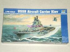 Trumpeter 05704 1/700 USSR Kiev Aircraft Carrier