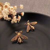 ITS- 2 Pcs Women Metallic Carving Bees Cufflinks Suits Shirt Cuff Jewelry Decor