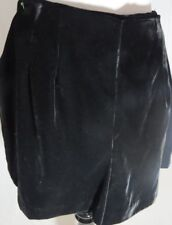 Zara Black Color Solid  Front Pleated Front   Shorts  SIZE  L