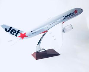 JETSTAR  787 DREAMLINER B787 LARGE PLANE MODEL SOLID RESIN