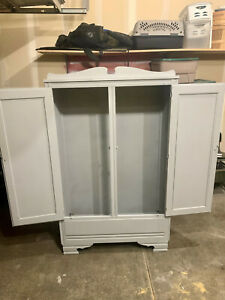 wardrobe used in good condition