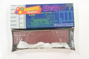 HO Roundhouse Texas & Pacific Outside-Braced Single-Steel-Door Box Car New Kit